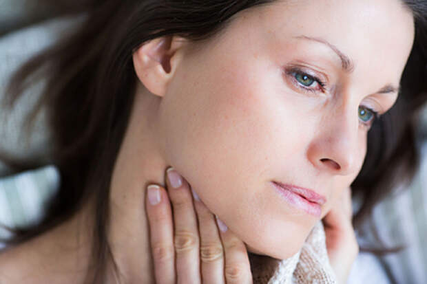 Профессор оториноларингологии назвал средство от першения в горле
