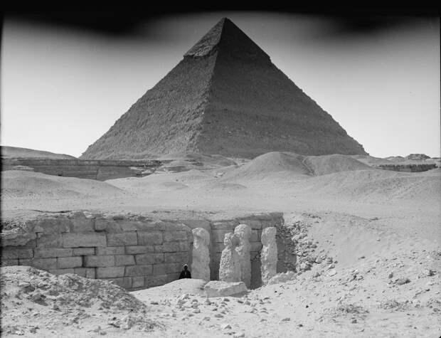 Раскопки Альфреда Моуда. Гиза. Могила возле Великой пирамиды. 1934