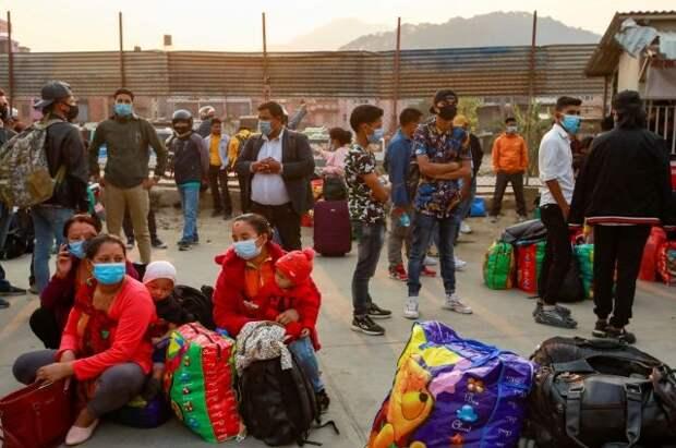Непал объявил о прекращении авиасообщения с другими странами