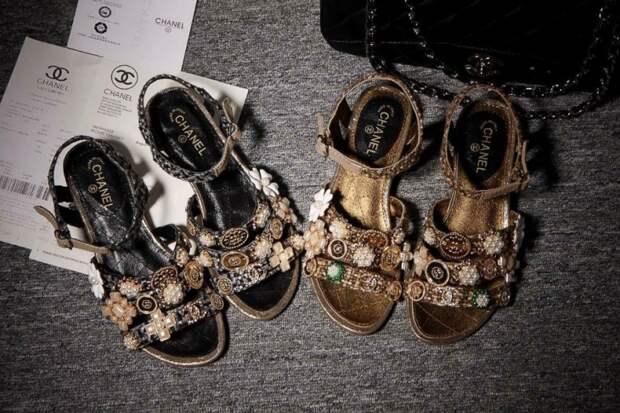 Обувка от Chanel