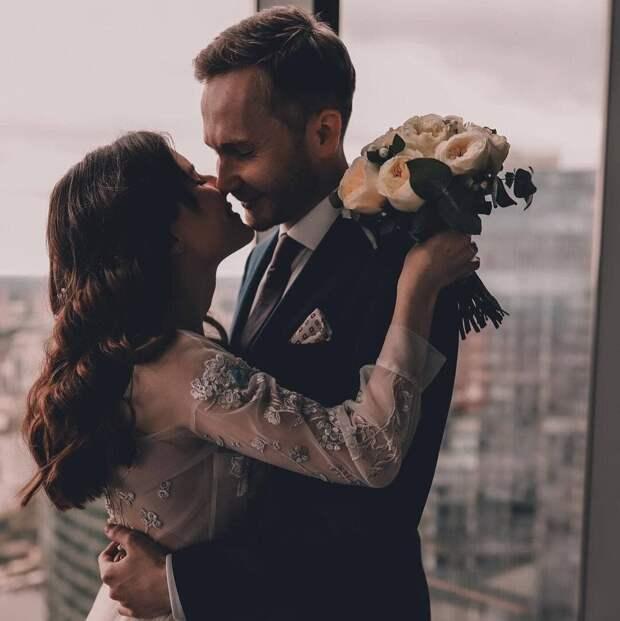 Свадьба над облаками. Как зарегистрировать брак на высоте 327 метров?
