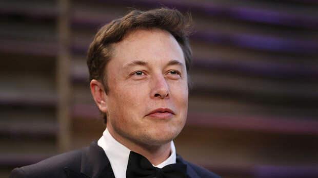 Изгой-заучка, выскочка или гений? Начало истории Илона Маска, «придумавшего» SpaceX и Tesla