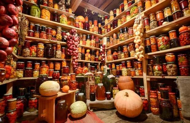Жители Удмуртии могут поделиться фирменными соленьями с музеем засолочного искусства