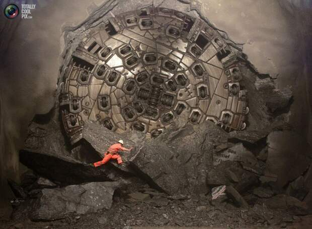 Как в Альпах построили самый длинный тоннель в мире