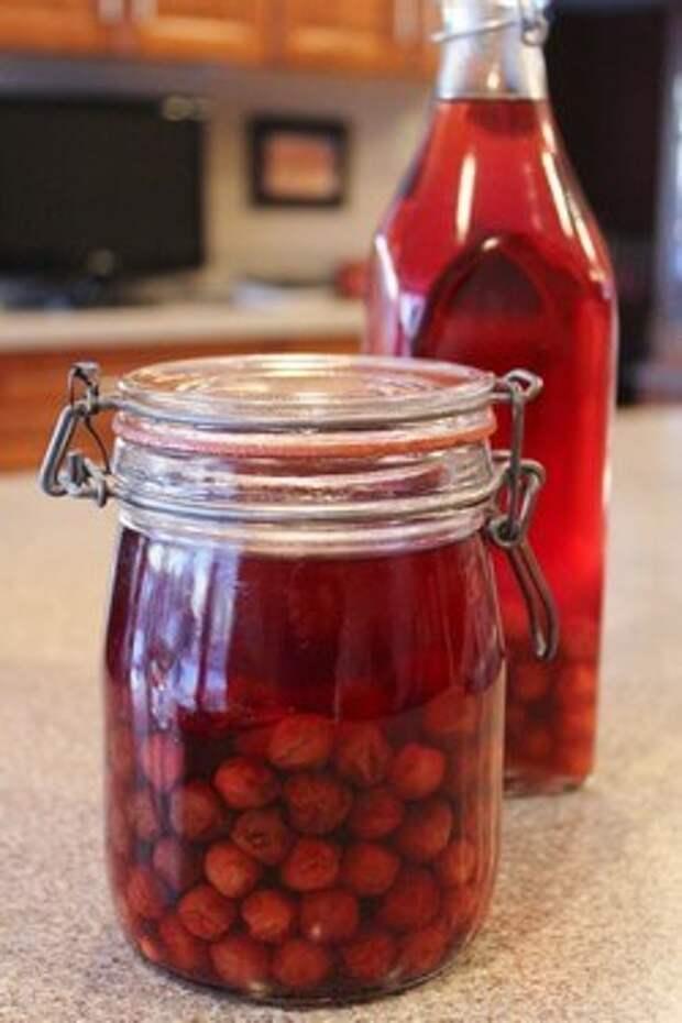 Наливка из вишни домашнего приготовления