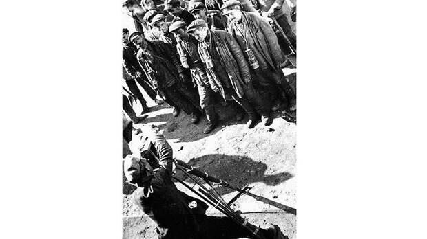 Начиная с 1930-х годов рабкоровское движение ослабло — советская власть воспитала уже достаточно профессиональных журналистских кадров