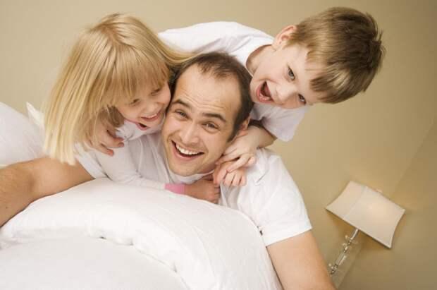 Жених с детьми: Как себя вести и к чему быть готовой, если встречаешься с мужчиной, у которого есть дети