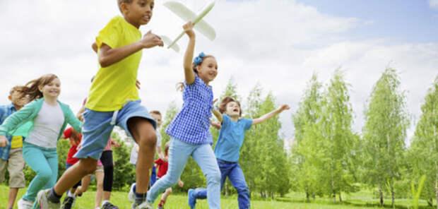 Исследование: дети могут сказать, когда родители подавляют стресс
