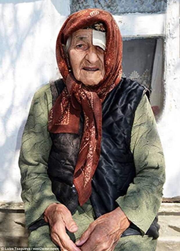 Самая старая женщина в мире утверждает, что ее жизнь - это наказание Самый старый человек, долгожители, долгожительница, долгожительство, история жизни, судьба человека, чечня