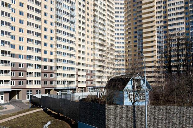 Почему так мало россиян живет в частных домах?