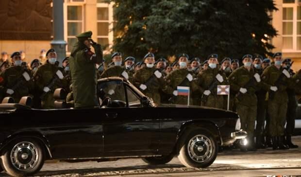 Первая репетиция парада сучастием военной техники прошла вЕкатеринбурге