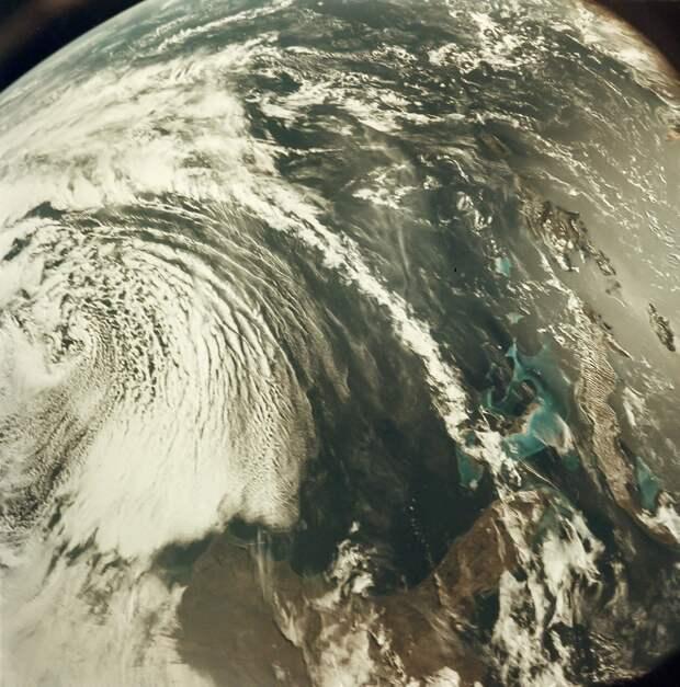 1968, декабрь. Вид на Землю с высокой орбиты. «Аполлон-8»