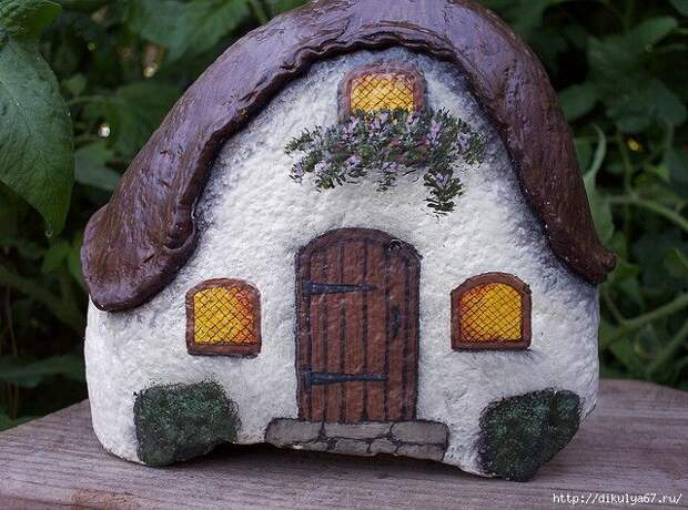 Немного дачной красоты: домики из камней