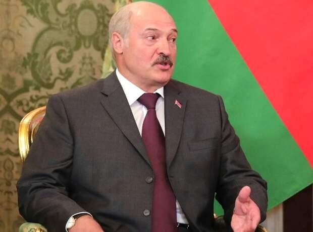 """Лукашенко заявил о """"кукловодах"""" за пределами Белоруссии, Кремль попросил аргументировать"""