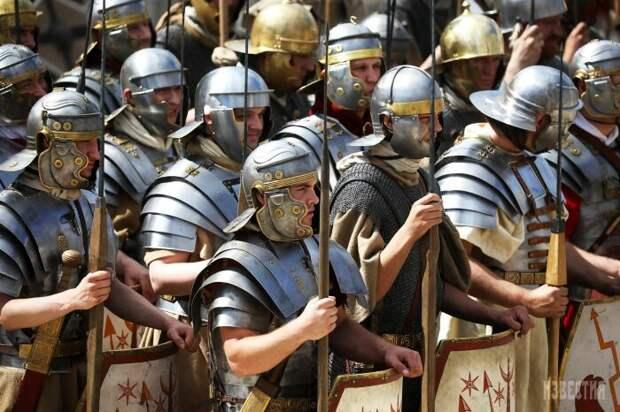 Легионы так хорошо известные нам по фильмам и играм делали основную ставку на дистанционный бой. /Фото: Pinterest.