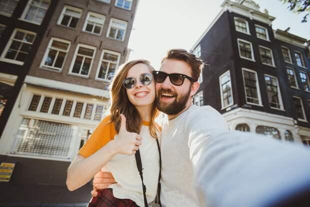 Психолог объяснил, как отличить реальную любовь от фальшивой