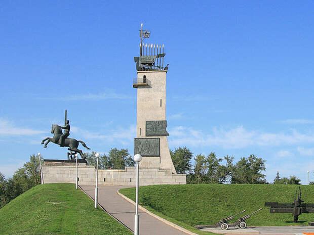 Новгородский монумент Победы частично разрушился перед противоаварийными работами