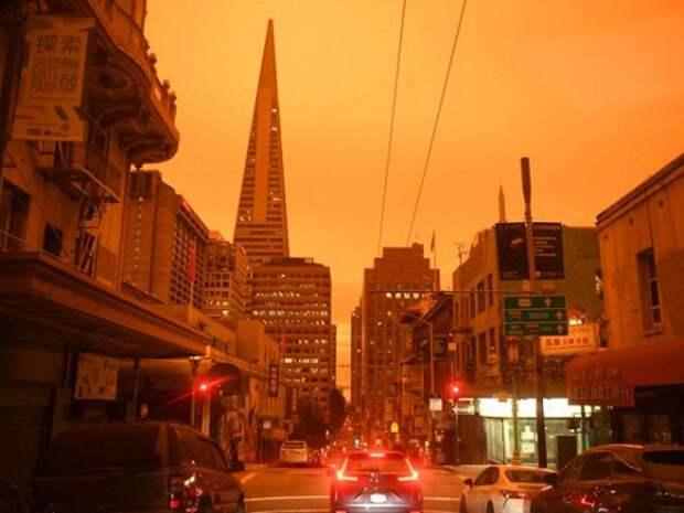 В США небо стало оранжевым из-за лесных пожаров