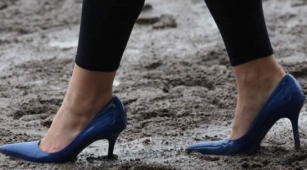 Как быстро почистить свою грязную обувь