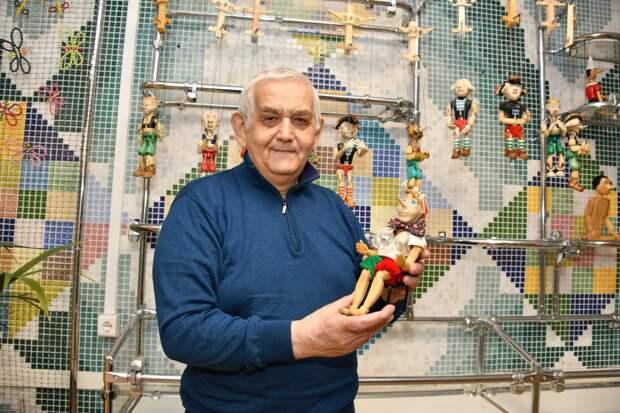 Выставка кукол-марионеток открылась в школе №417 на Красноказарменной