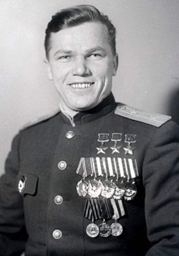 Иван Никитович Кожедуб