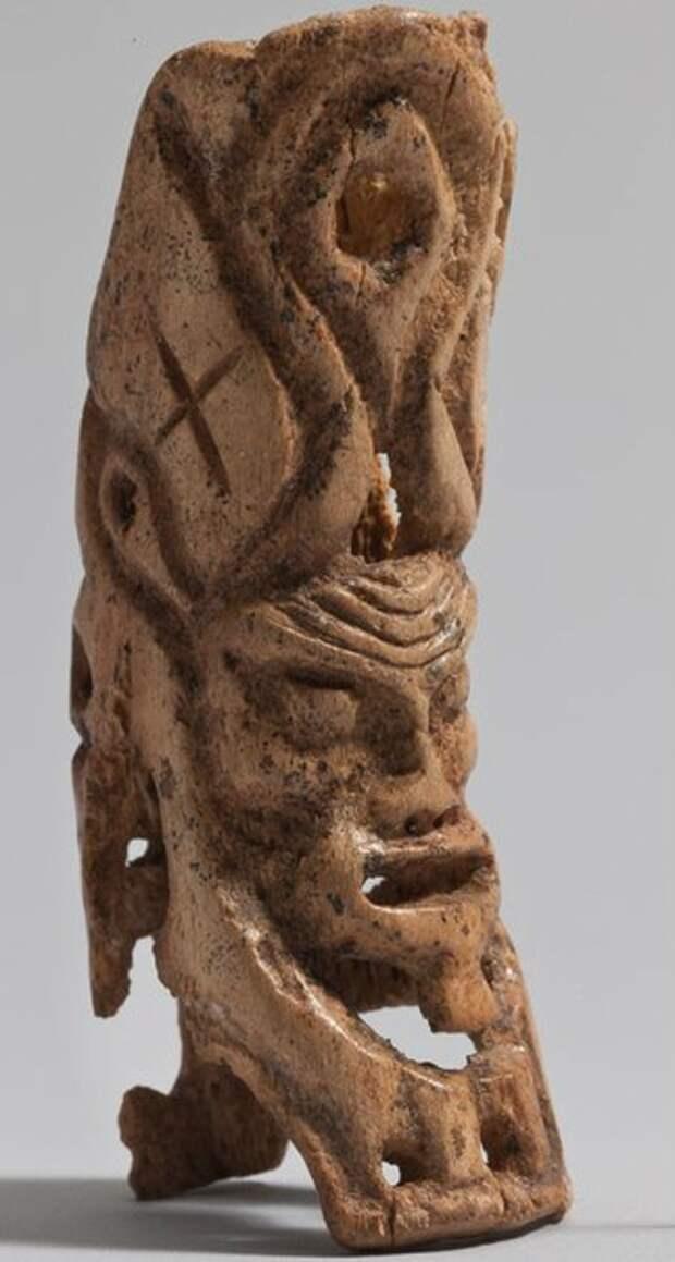 В Эрмитаже восстановили фигурки сибирских божеств из захоронения XXV в. до н.э.
