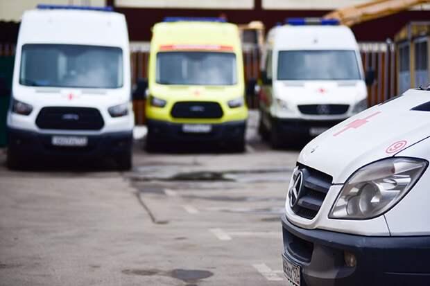 Столкновение грузовика с поездом Адлер — Москва произошло в Калужской области