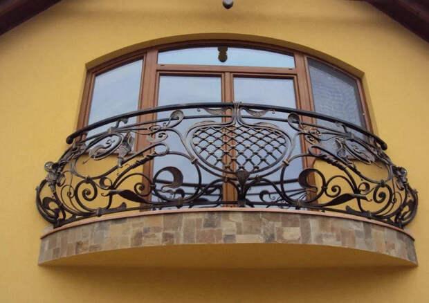 Сделайте ваше утро чуточку лучше: роскошные идеи кованого балкона