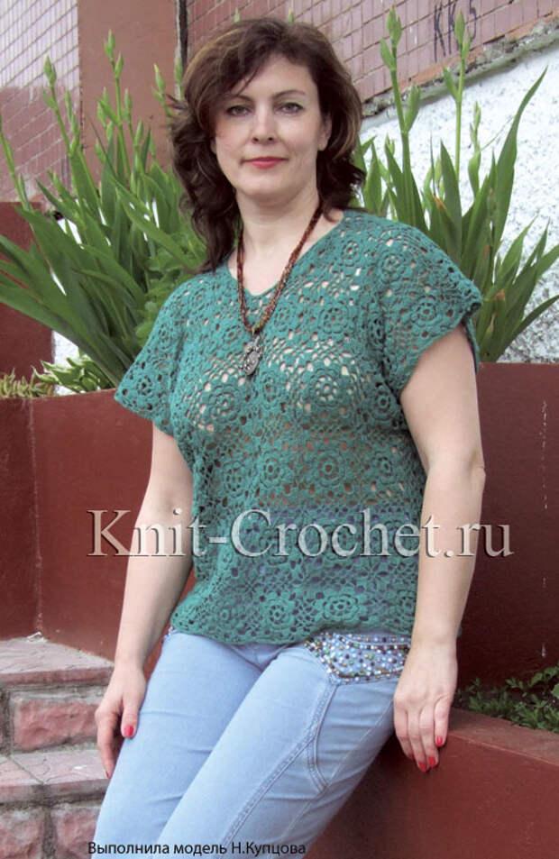 Вязанный крючком женский пуловер из ажурных мотивов размера 52-54.