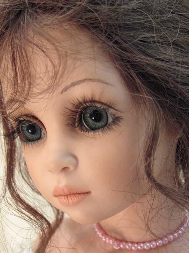 V международный салон кукол