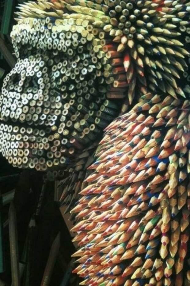 Горилла из карандашей