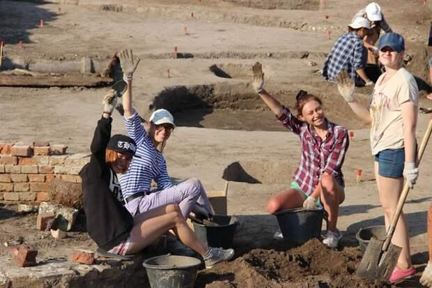 В историческом центре Рязани археологи обнаружили остатки построек XIII-XIV и XVII веков.