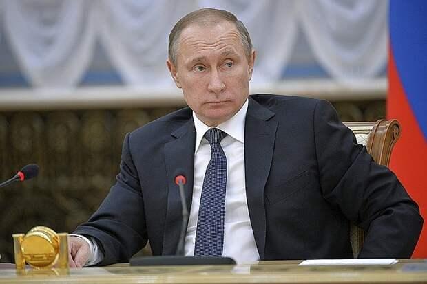 Ряд правителей так или иначе собирали воедино распавшуюся страну и восстанавливали её из руин - в случае Путина руин реформаторских