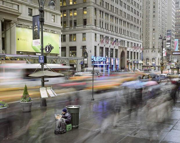 Метрополис: жизнь большого города в хаотичном движении толпы