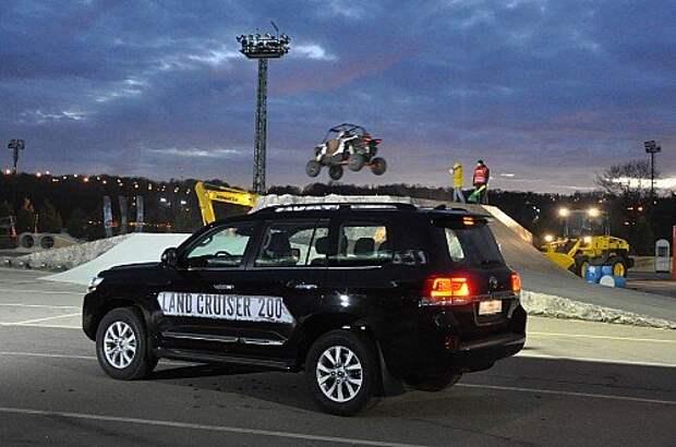 Расспрашиваем специалистов Toyota о рестайлинговом Land Cruiser 200