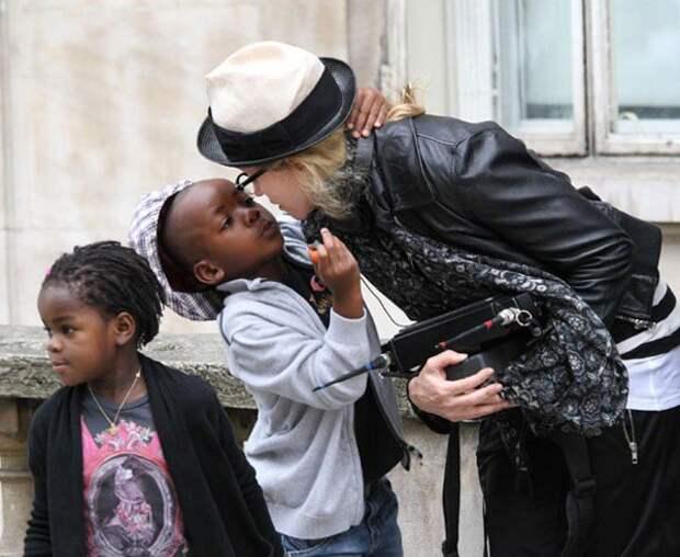 Мадонна дети, добро, родители, усыновление