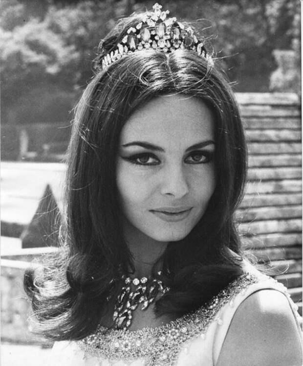 """Мишель Мерсье в фильме """"Золотая вдова"""", 1969 год."""