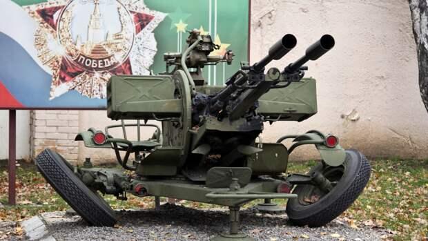 Военнослужащие ЗВО впервые применили бронированные тягачи на учениях под Петербургом