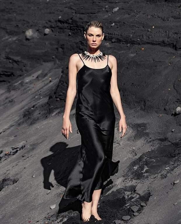 С чем носить платье-комбинацию: 12 модных образов