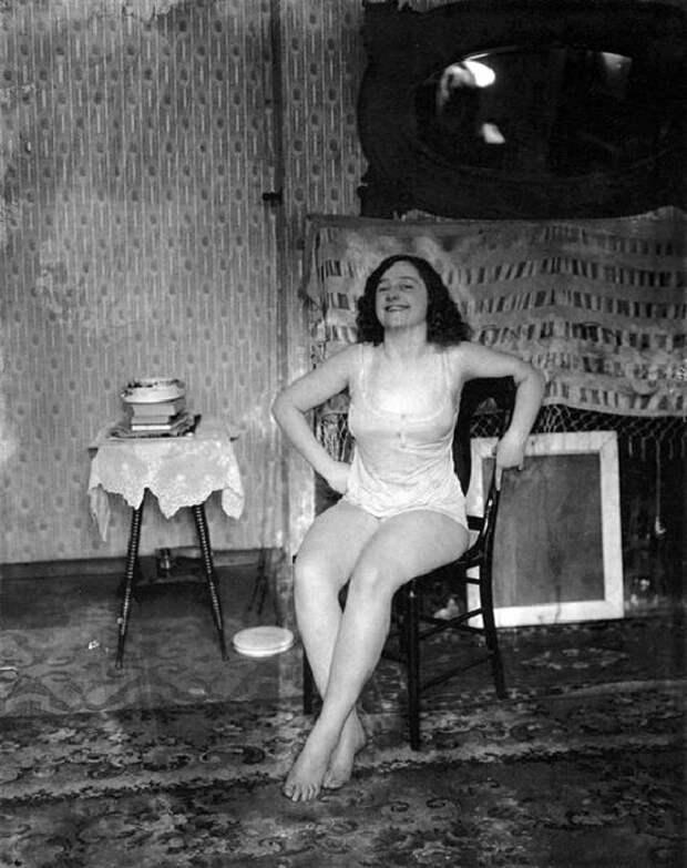 архивные фото наших жен здесь очень древние