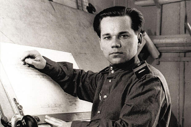 Какой факт биографии скрывал Михаила Калашников при СССР