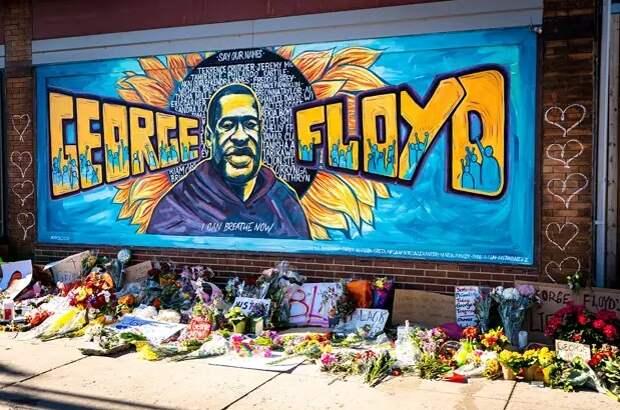 Экс-полицейскому Шовину дали 22,5 года за убийство афроамериканца Флойда
