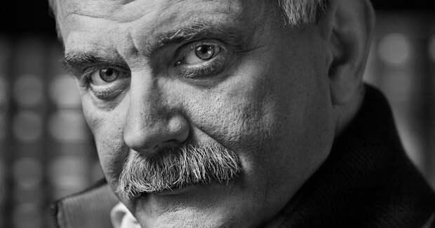 «Вы почему так возбудились?»: Никита Михалков ответил на критику Жоры Крыжовникова