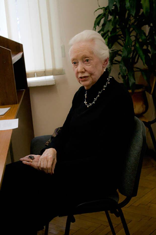 Мэри увлеклась русским языком в 56 лет.