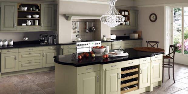 Черный цвет  особенно хорошо сочетается с серо-оливковым в классических интерьерах