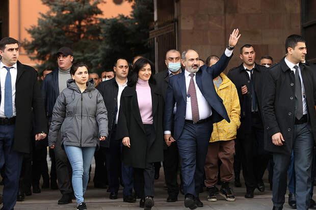 Пашинян попросил прощения у армянского народа