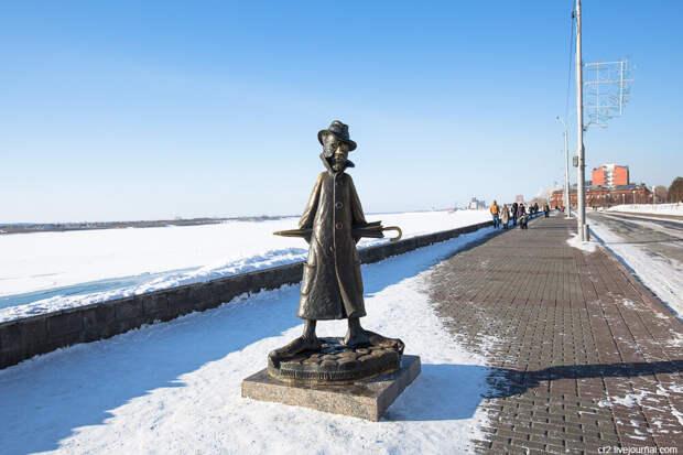 Памятник Чехову. Томск