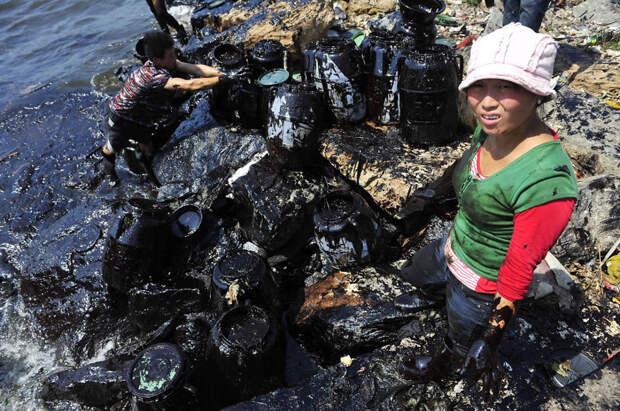33. Собранные 400 млн галлонов нефти после разлива загрязнение, китай, экология