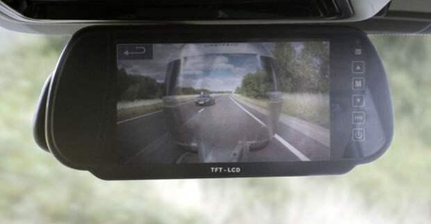 land-rover_transparent-trailer_01_result_1600