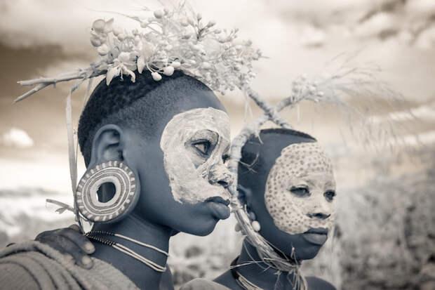 Племенные культуры мира в инфракрасном фильтре